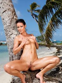 Melisa Mendiny Nude On The Beach 06