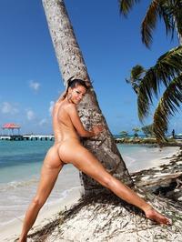 Melisa Mendiny Nude On The Beach 11