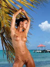 Melisa Mendiny Nude On The Beach 13