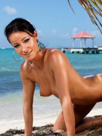 Melisa Mendiny Nude On The Beach 15