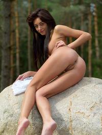 Naked Babe Dominika Dark Spreading 10