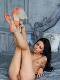 Sheri Vi Gets Nude In Bed 06