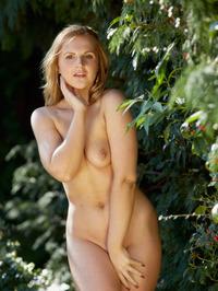Ashlynn B Naked Outdoor 06