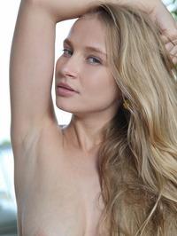 Penelope G Enjoying A Naked Picnic 03