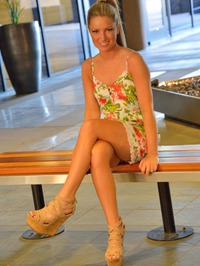 Sydney Those Legs 00