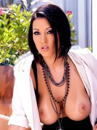 Dylan Ryder In These Hot Pictures 02