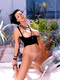 Dylan Ryder In These Hot Pictures 11