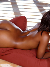 Chanell Heart Black Labia Spreading 16