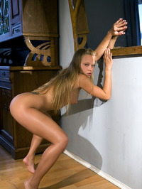 Erotic Blonde Willa 11