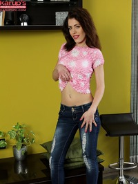 Lana Zeal Taking Off Skinny Jeans 01