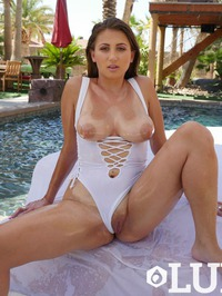Hot Oiled Babe Ivy Rose Dildoing On The Poolside 11