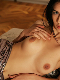 Alice E Posing In Her First Nude Shoot 04