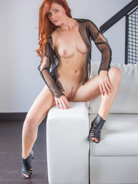 Mia Sollis - Navee 05