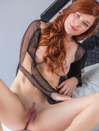 Mia Sollis - Navee 06