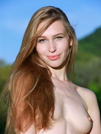 Tiffany Bene Hot Petite Body Outdoors 06