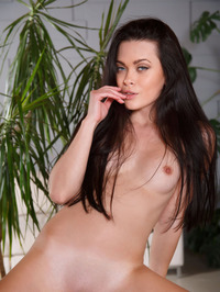 Gorgeous Teen Babe Amelie 05