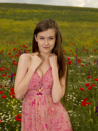 Emily Bloom In Grimas 00
