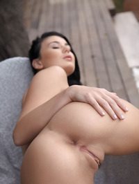 Lucy Li Naked Outdoors 14