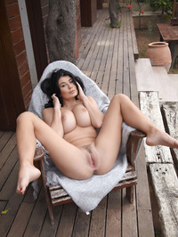 Lucy Li Naked Outdoors 17