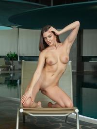 Vanda Strips Off Her Sexy Black Bikini 16