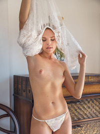 Sexy Blonde Newcomer Dgil In White Lace Dress 02