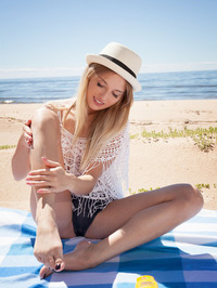 On the beach with hipster Tempe, Latvia's gorgeous blonde babe 00