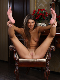 Tanned beauty Melena A looks stunningly cute 15