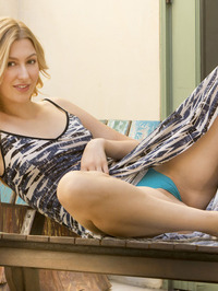 Statuesque Alexa Grace is relaxing outdoors 02