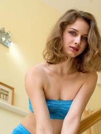 Brunette beauty Clarice  01