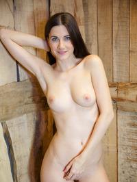 Leggy brunette Lauren Crist 19