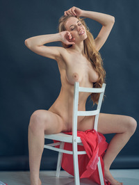 Ryana Poses Totally Nude 12
