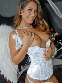 Eva Lovia Good vs bad 07