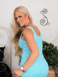 Busty Blonde Mommy 02