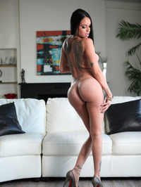 Raven Bay Spreads Her Pussy 11