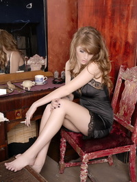 Faye Reagan Smoking In Her Room 08