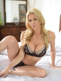 Stunning MILF Alexis Fawx Gets Nude On A Bed 03