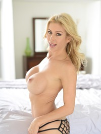 Stunning MILF Alexis Fawx Gets Nude On A Bed 08