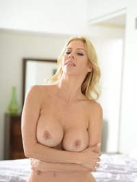 Stunning MILF Alexis Fawx Gets Nude On A Bed 13