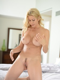 Stunning MILF Alexis Fawx Gets Nude On A Bed 15
