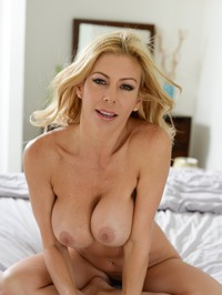 Stunning MILF Alexis Fawx Gets Nude On A Bed 18