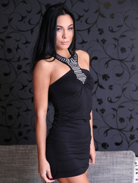 Alyssia Dildo Fuck Her Pussy 00