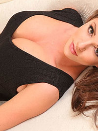 Hot Brunette Rachel Showing Her Boobs 02