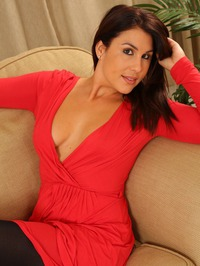 Emma Jones The Lady In Red 01