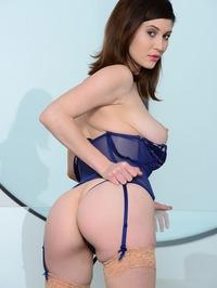 Amber Hahn Swoman 10