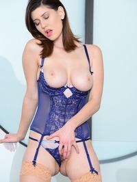 Amber Hahn Swoman 11