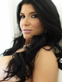 Romi Rain Showing Curves 50
