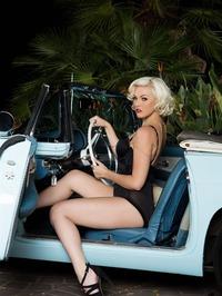 Jenna Ivory Strips Naked And Poses 10