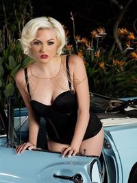 Jenna Ivory Strips Naked And Poses 14