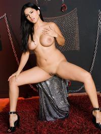 Sunny Leone Strips Off Her Lingerie 02