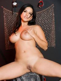 Sunny Leone Strips Off Her Lingerie 04